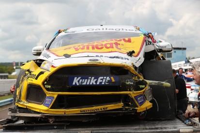 BTCC Thruxton: Ex-F1 driver Blundell explains qualifying crash