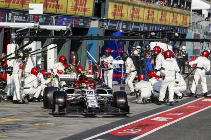 Alfa Romeo's Giovinazzi had damaged F1 car in Australian Grand Prix