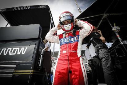 Ed Jones cleared to race in COTA IndyCar race despite breaking hand