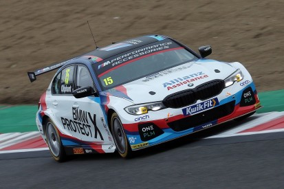 BTCC Brands Hatch: Oliphant heads WSR 1-2-3, Moffat caused red flag