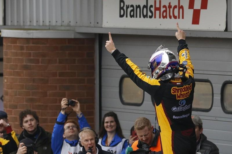 Tom Chilton overhauls rivals to win Race 3 of BTCC Brands Hatch opener