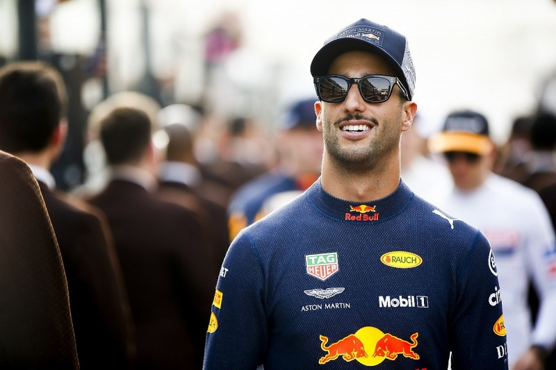 Renault hasn't spent 'stupid money' on Ricciardo - Cyril Abiteboul