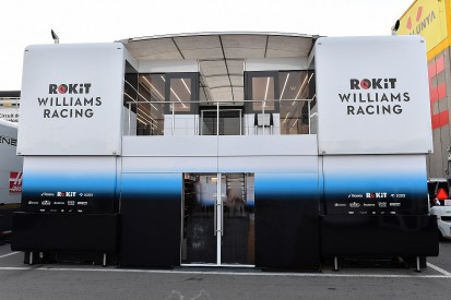 Williams's delayed 2019 Formula 1 car arrives at Barcelona testing