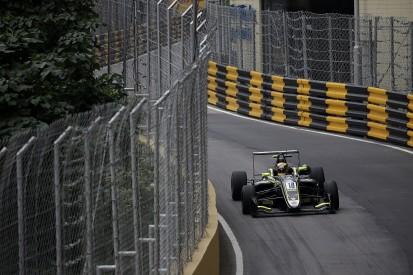 Ferrari junior Ilott amazed he missed Sato's Macau Grand Prix crash