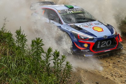 WRC Rally Australia: Rain on superspecial shakes up leading battle