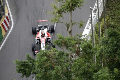 Guan Yu Zhou relieved to walk away from Macau Grand Prix crash