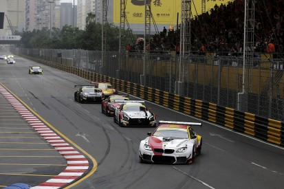 Macau GT World Cup: Farfus wins from pole, resists Mercedes pressure