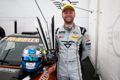 New MG British Touring Car team Excelr8 signs Rob Smith for 2019