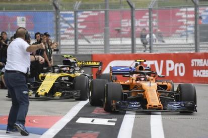 Renault releases Carlos Sainz Jr for early McLaren F1 test