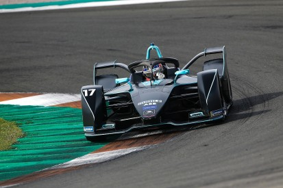Gen2 Formula E car a 'perfect' chance for rookies - HWA's Paffett