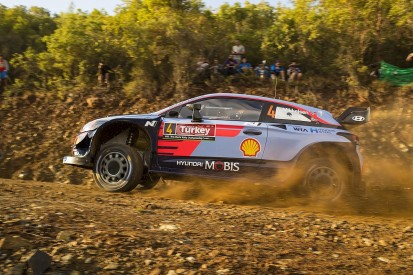 Rally Turkey: Mikkelsen leads again as Ogier penalty adds to drama