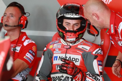 MotoGP Aragon: Lorenzo criticises 'Tour de France' qualifying tows