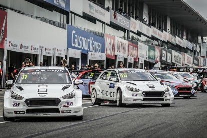 WTCR Suzuka: Six drivers penalised for slow driving in qualifying