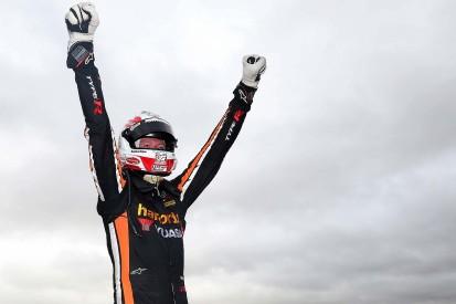 Snetterton BTCC: Matt Neal wins Double Diamond anniversary race
