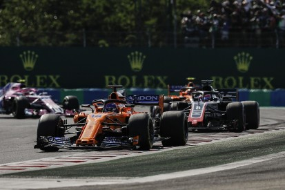 Fernando Alonso backtracks on Romain Grosjean radio criticism