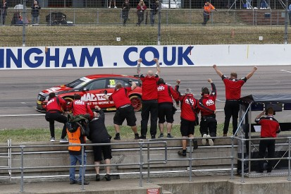 BTCC Rockingham: Morgan dominates first race in tricky conditions