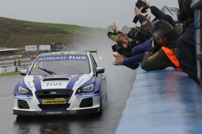 BTCC Knockhill: Sutton takes victory in rain-affected second race