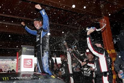 Michigan NASCAR: Clint Bowyer leads Stewart-Haas 1-2-3 before rain