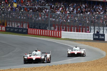 Le Mans hour 2: Slow zone helps #7 Toyota take the lead