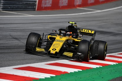 Tyre blisters made Sainz's Renault F1 car 'undriveable' in Austria