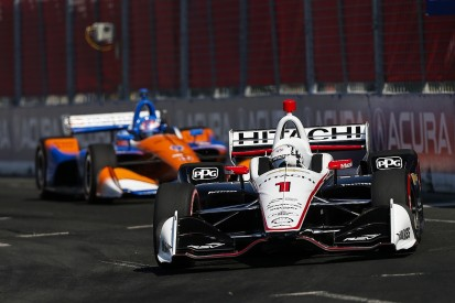 Josef Newgarden can't explain crash while leading Toronto IndyCar