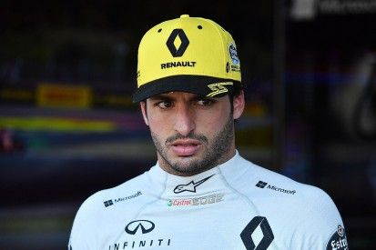 Carlos Sainz Jr wants his next F1 contract to be a two-year deal