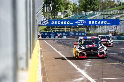 WTCR Hungary: Ehrlacher leads Munnich Motorsport 1-2