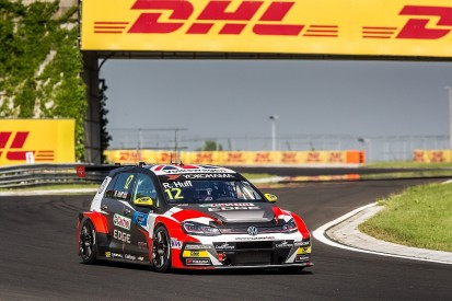 WTCR Hungaroring: Reversed-grid race win for VW driver Rob Huff