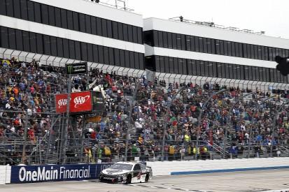 NASCAR Dover: Harvick dominates rain-hit race, Bowyer second