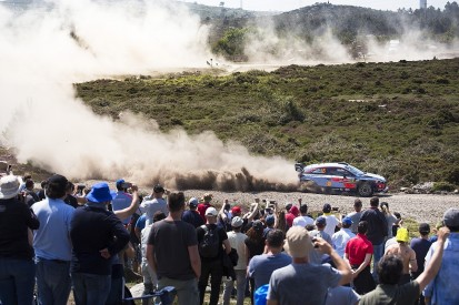 WRC Rally Portugal: Thierry Neuville moves into lead amid chaos