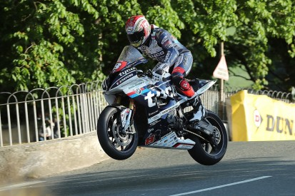 Father wants Tyco BMW team to 'crack on' after Kneen's IoM TT death