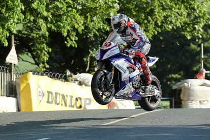 Isle of Man TT: Peter Hickman sets Superbike class pace on Thursday