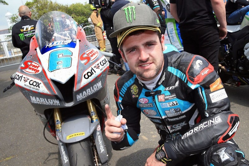 Dunlop gets 17th IoM TT victory, Hickman grabs Superstock win