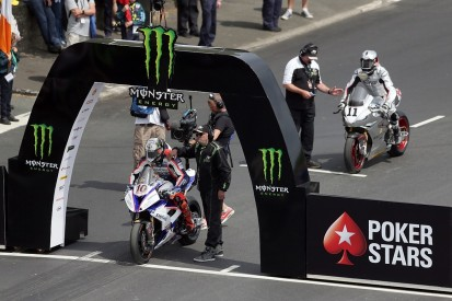 Peter Hickman smashes Isle of Man TT record to win Senior finale