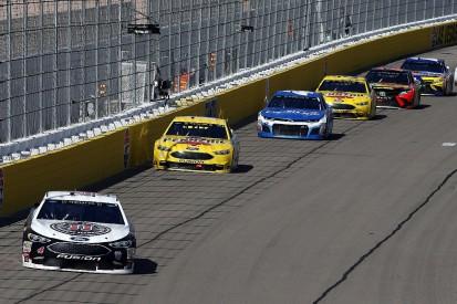 Las Vegas NASCAR: Kevin Harvick dominates second straight race