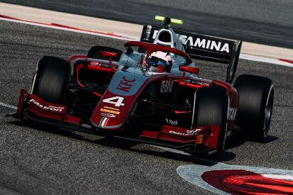 McLaren F1 junior de Vries opens F2 Bahrain test on top for Prema