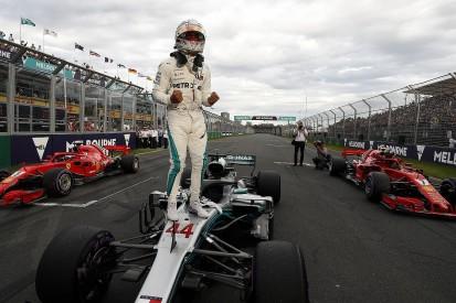 Australian Grand Prix qualifying: Hamilton pole, Bottas crashes