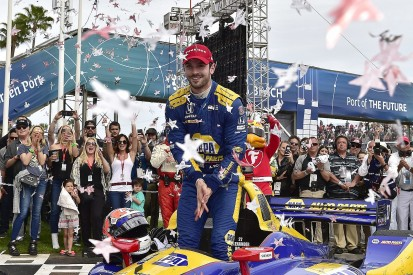 IndyCar Long Beach: Rossi dominates race, beats Power in late showdown