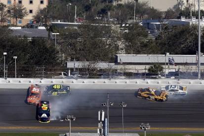Jimmie Johnson: Don't blame NASCAR young guns for Daytona crashes
