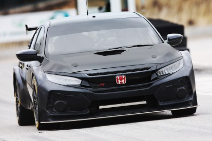 New Dynamics Honda Civic Type R for 2018 BTCC makes test debut