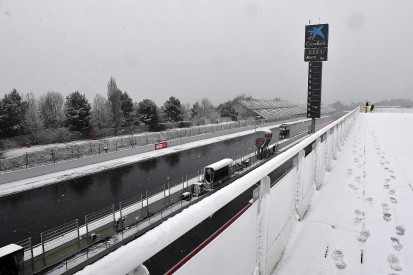 F1 testing: Snow delays start of Wednesday running at Barcelona