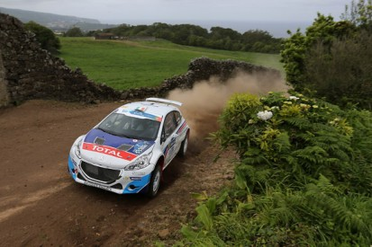 Craig Breen will go for 2015 ERC title after renewing Peugeot deal