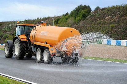Pirelli urges Formula 1 teams to support proper wet tyre test
