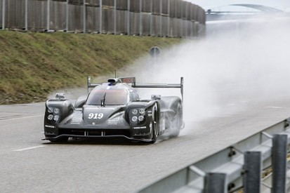 Porsche reveals its 2015 919 Hybrid LMP1 car for WEC and Le Mans