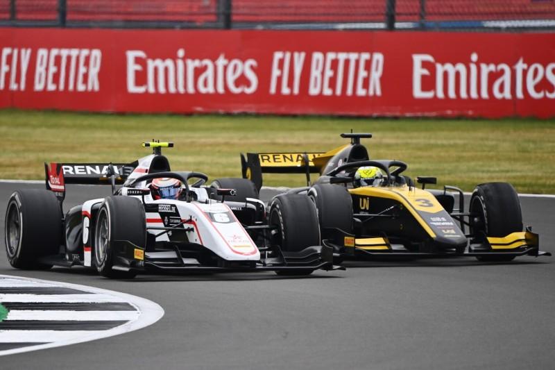 Alpine-Junioren Zhou und Lundgaard bleiben Formel-2-Teams treu