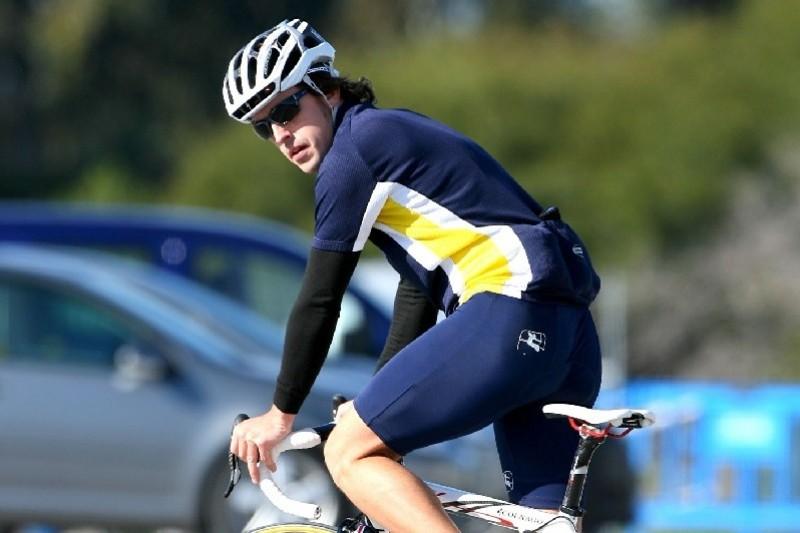 Verkehrsunfall: Fernando Alonso beim Fahrradfahren verletzt