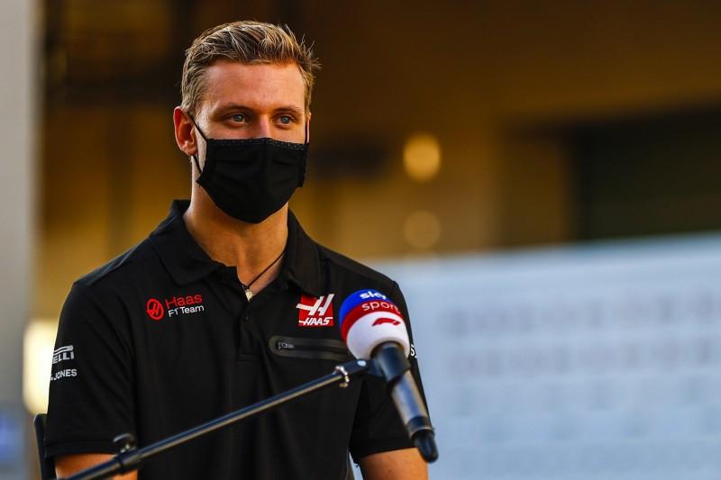Mick Schumacher flachst über Saisonziel 2021: Weltmeister werden!