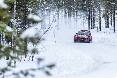 Neuville struggling with Arctic Rally WRC intercom and co-driver accent
