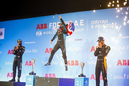 Diriyah FE II: Bird beats Frijns to secure victory in red-flagged race