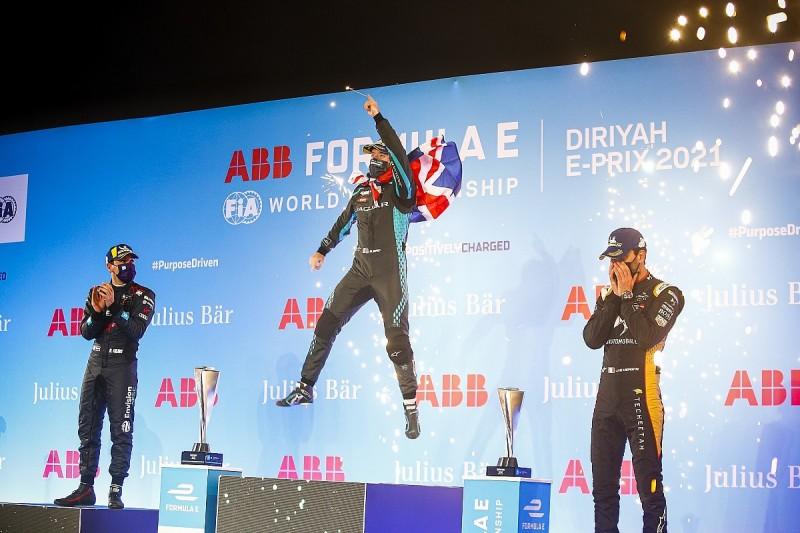 Diriyah FE II: Bird beats Frijns to secure victory in red-flagged race